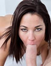 Amara Romani cock sucking