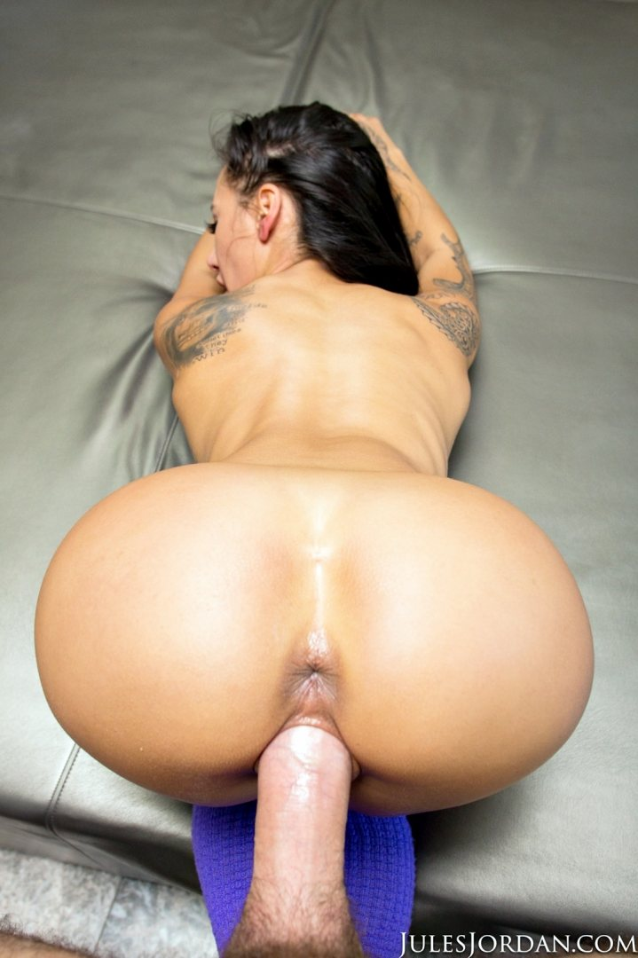 manuel s cock is way too big for amia miley s pussy