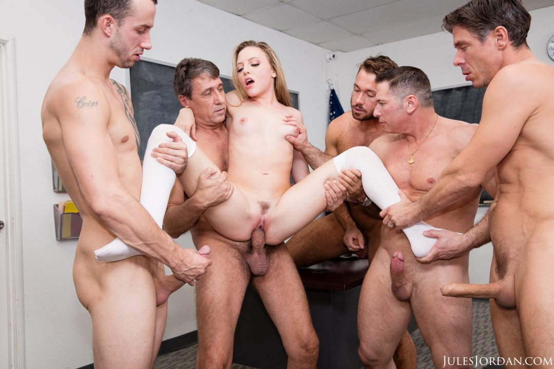 Brutal vaginal fisting gang bang-7013