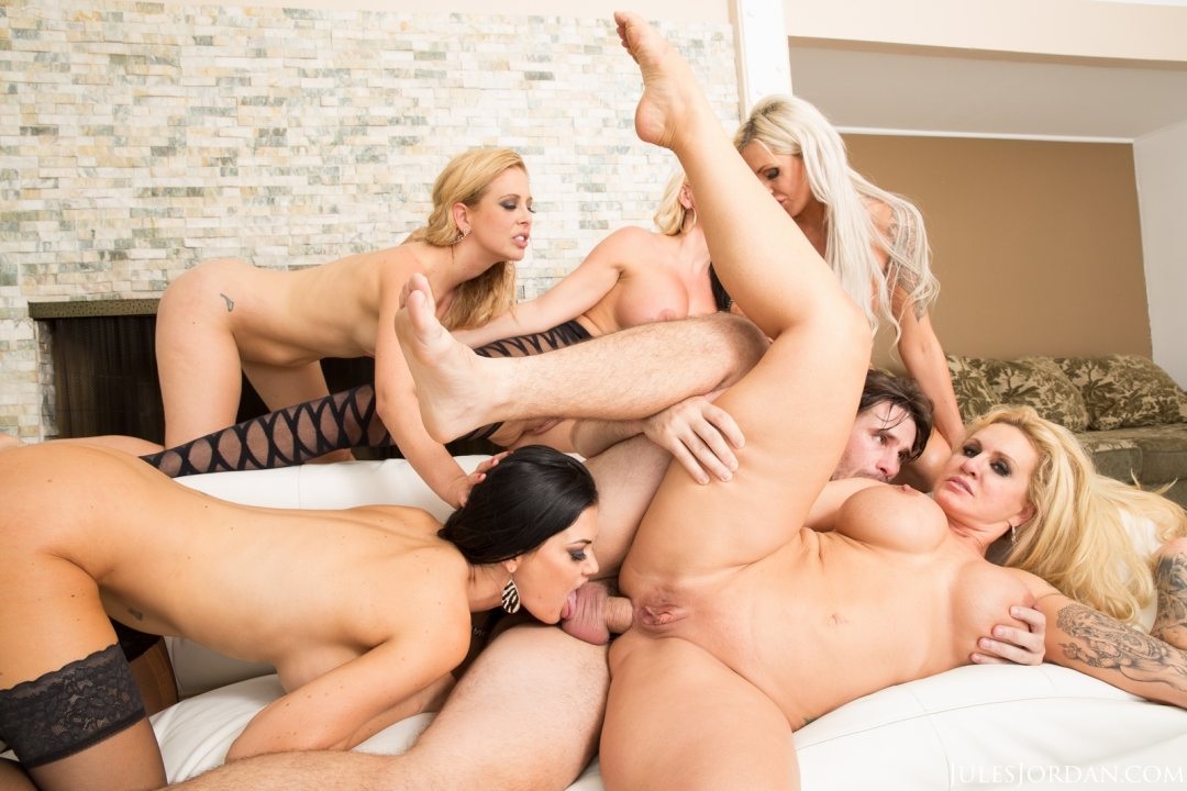 Free guys on girl gang bang-9166
