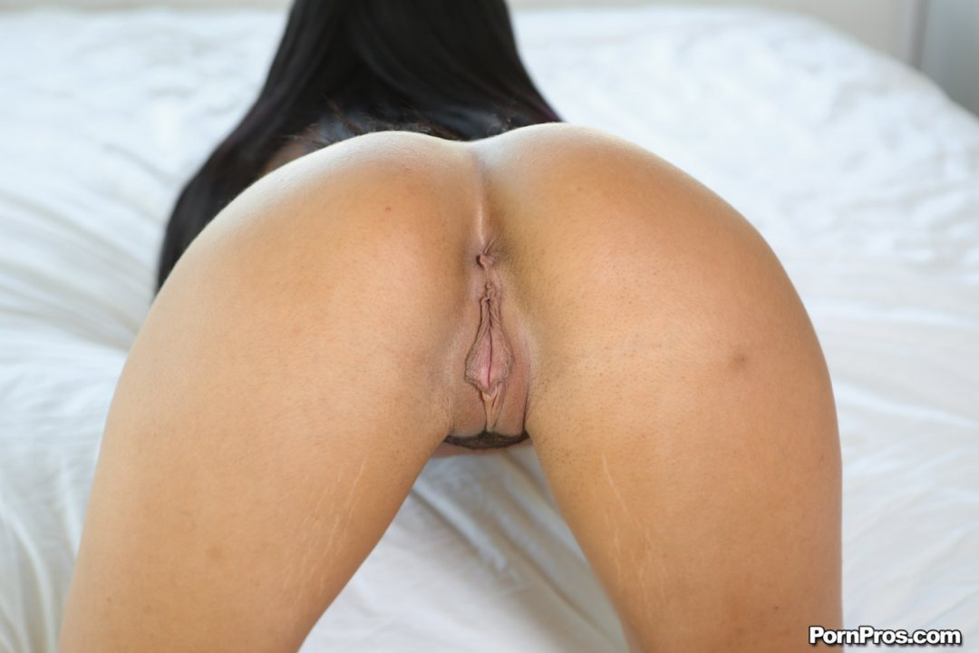 Hard cock fucked her ass and ejaculated into anal 7