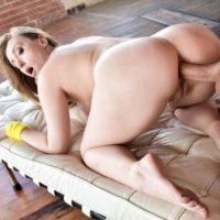 Harley Jade big booty anal workout